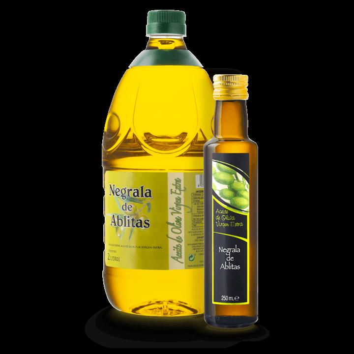 Botellas y garrafas de aceite de oliva virgen extra artesano de la variedad negrala producido en cooperativa.